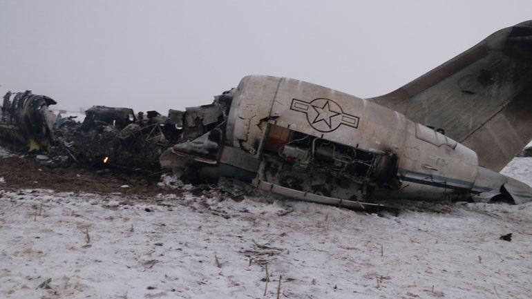 Ο αμερικανικός στρατός ανέσυρε τις σορούς των επιβαινόντων του αεροσκάφους που συνετρίβη στο Αφγανιστάν