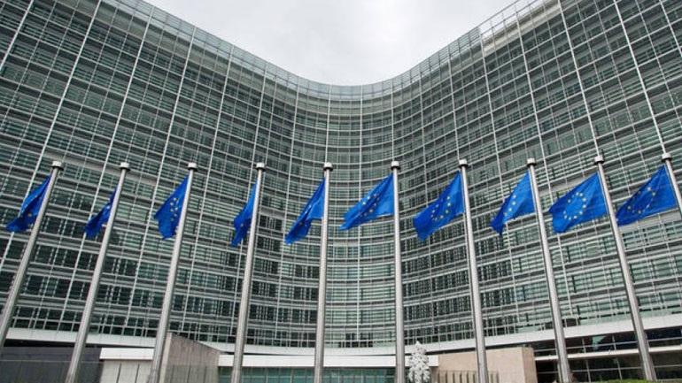 Αλλαγές στη διαδικασία διεύρυνσης της Ευρωπαϊκής Ένωσης θα προτείνει η Κομισιόν για να ξεπεραστεί το βέτο της Γαλλίας