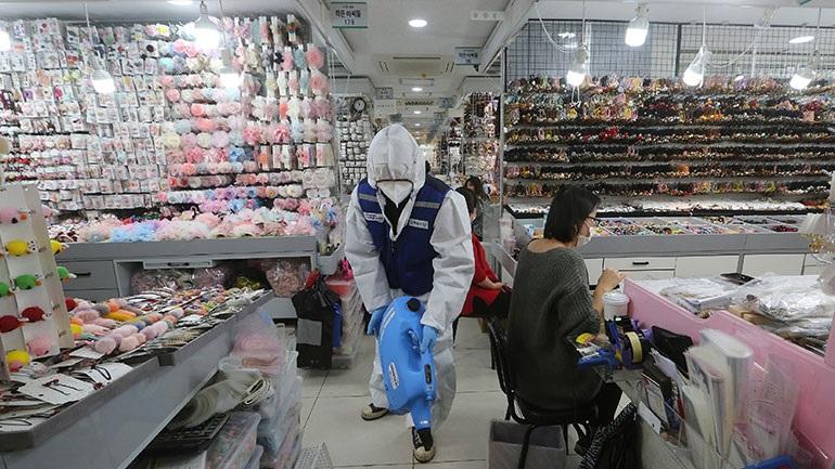 Πεκίνο: Αυξάνεται η εισαγωγή ιατρικών ειδών και βασικών αγαθών για να υπάρχει επάρκεια στην εσωτερική αγορά