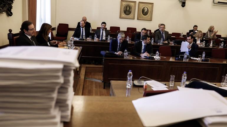 Novartis: Μάρτυρες χωρίς κουκούλα στην προανακριτική ζητούν τα κόμματα - Αντίθετος ο ΣΥΡΙΖΑ