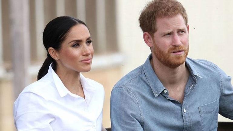 O πρίγκιπας Harry και η Meghan Markle κινδυνεύουν να χάσουν τους βασιλικούς τίτλους τους