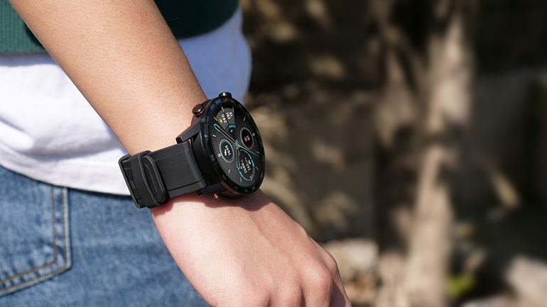 Δεν υπάρχει άλλο smartwatch σαν αυτό