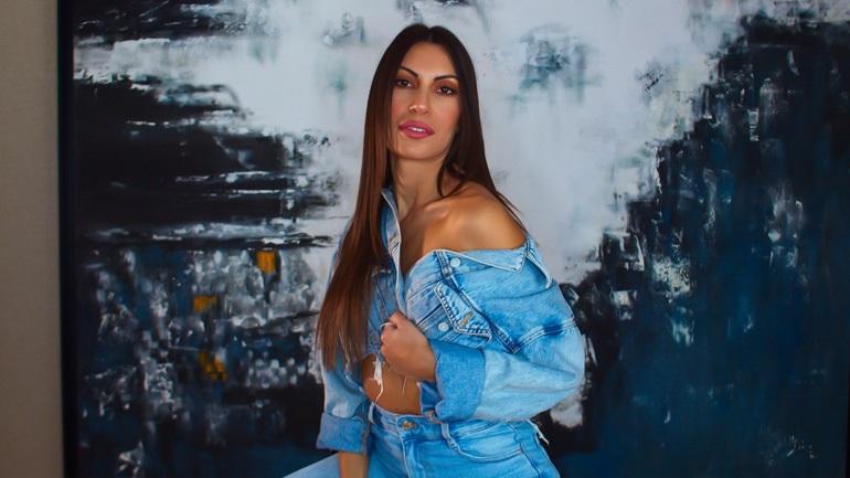 Μαρία Κορέλλι: Κυκλοφόρησε το νέο της τραγούδι με τίτλο «Δύσκολο Αντίο»