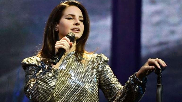 Η Lana Del Rey ακυρώνει την ευρωπαϊκή περιοδεία της: «Έχασα εντελώς τη φωνή μου»