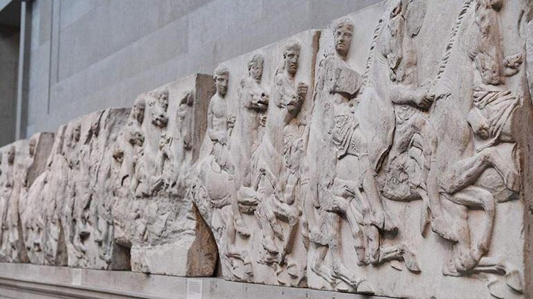 Guardian: Η επιστροφή των Γλυπτών του Παρθενώνα σημαίνει σεβασμός στην εθνική υπερηφάνεια