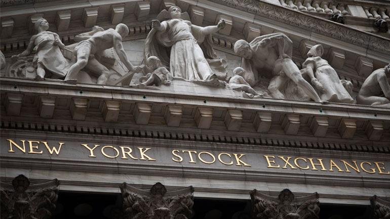 Άνοδος εν μέσω ανησυχίας στη Wall Street