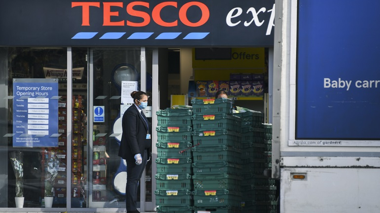 Britain: Tesco supermarket chain hires 35,000 employees