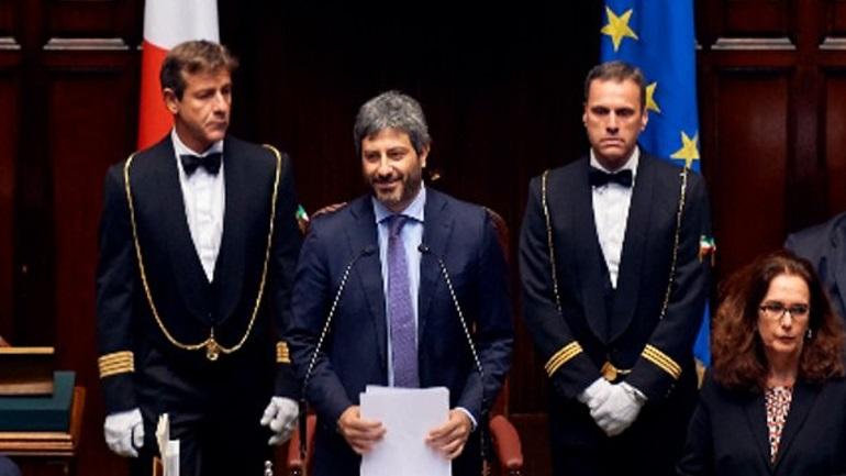 Πρόεδρος ιταλικής Βουλής στο Twitter: «Ευχαριστώ τους φίλους Έλληνες»