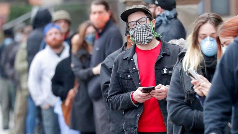 ΗΠΑ: Χιλιάδες ψηφοφόροι στο Ουισκόνσιν τήρησαν τις αποστάσεις προστασίας