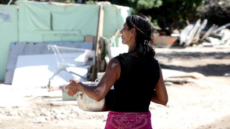Σε καραντίνα ο οικισμός Ρομά της συνοικίας Νέας Σμύρνης Λάρισας λόγω κορωνοϊού