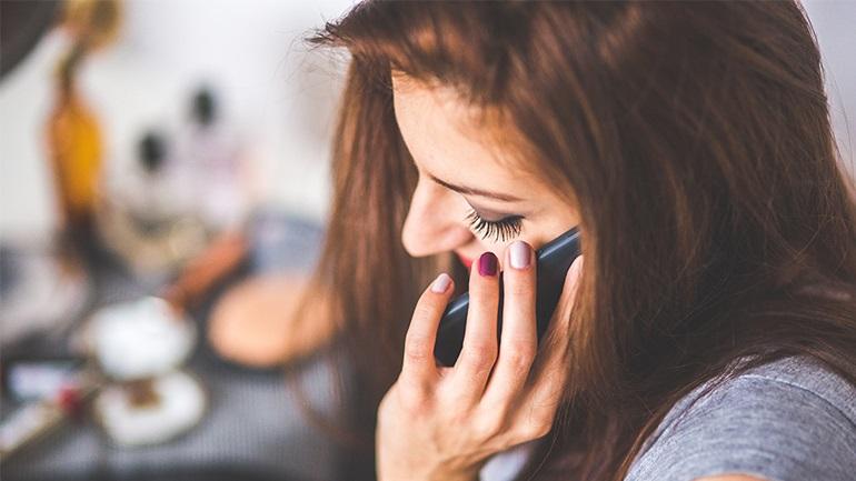 COSMOTE: Δωρεάν απεριόριστες κλήσεις από σταθερό προς όλα τα σταθερά και κινητά για το Πάσχα