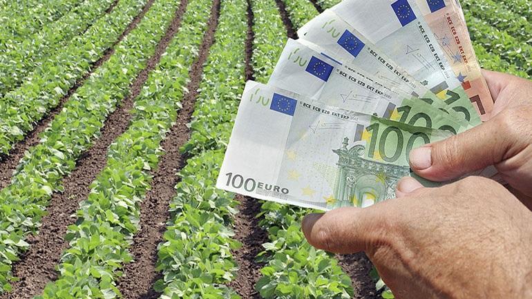 Μικροδάνεια σε αγρότες χωρίς ασφαλιστική ενημέρωση