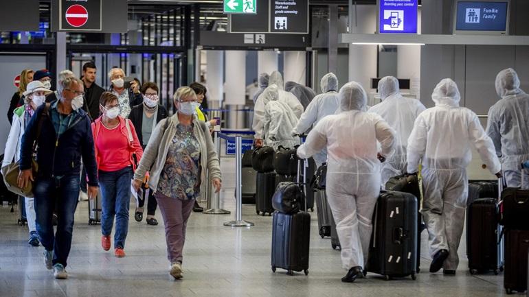 Γερμανία: Υποχρεωτική χρήση μάσκας ζητούν οι αεροπορικές εταιρείες και τα αεροδρόμια