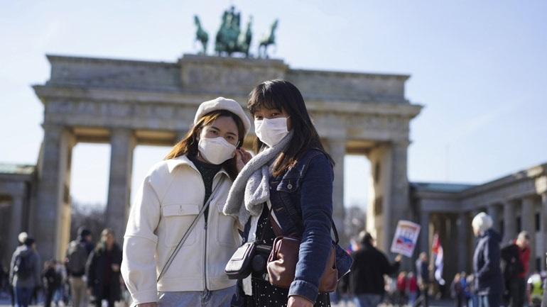 Γερμανία: Υποχρεωτική η χρήση μάσκας σε όλη τη χώρα από την επόμενη εβδομάδα