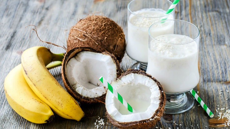 Smoothie με γάλα καρύδας και κολλαγόνο για απώλεια βάρους