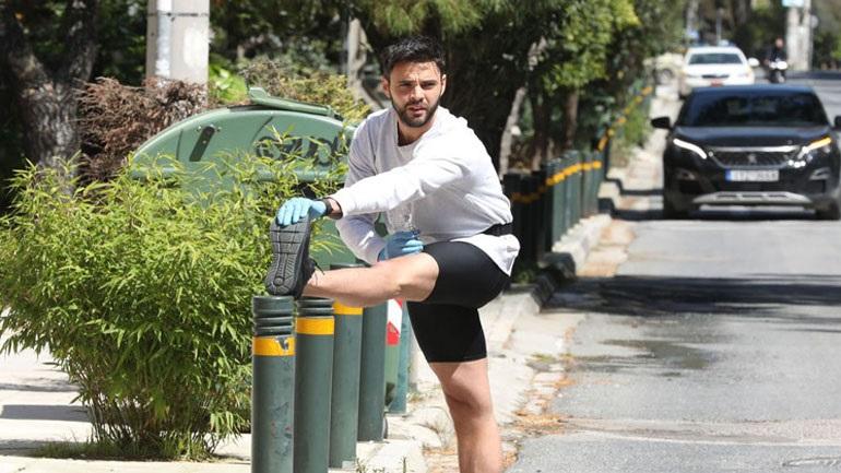 Ρένος Ρώτας: Γυμνάζεται στους δρόμους της πόλης!