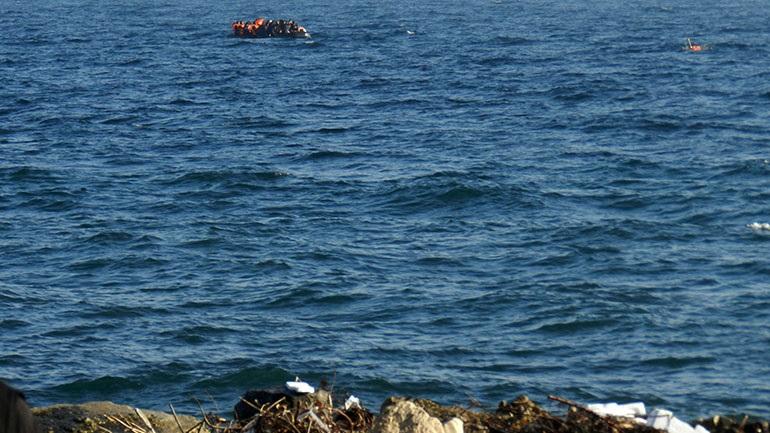 Μυτιλήνη: Βάρκα με 36 πρόσφυγες και μετανάστες έφτασε σε παραλία του νησιού