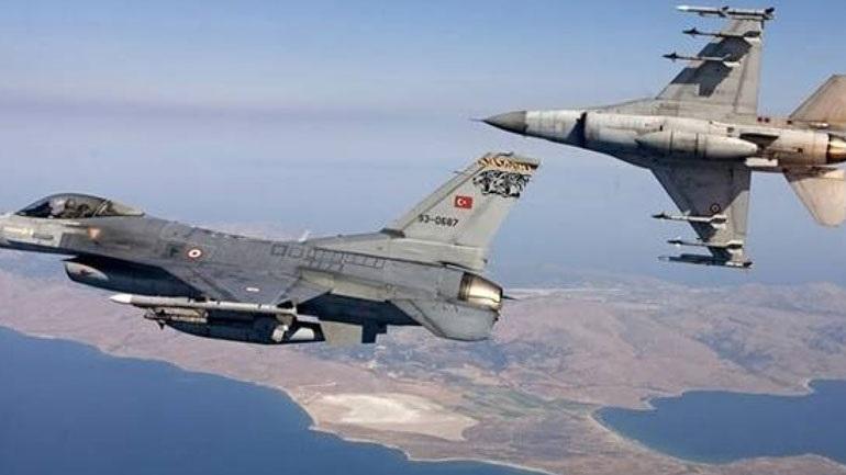 Τουρκικά αεροσκάφη πέταξαν πάνω από ελληνικά νησιά