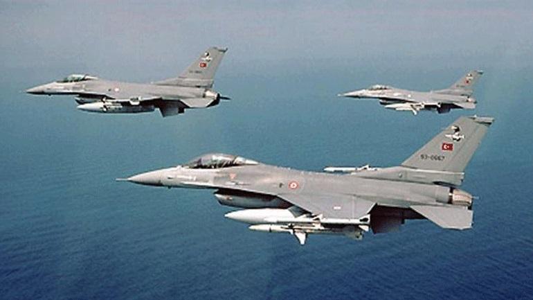 Τουρκικά αεροσκάφη πέταξαν πάλι πάνω από το Φαρμακονήσι, τους Λειψούς και τους Αρκιούς