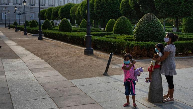 Ισπανία: Ανοίγουν από σήμερα πάρκα και ταράτσες
