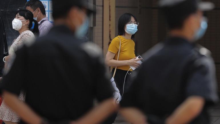 Οι ΗΠΑ σχεδιάζουν την ανάκληση βίζας για χιλιάδες Κινέζους φοιτητές