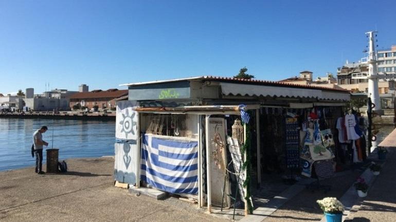 Θεσσαλονίκη: Τίτλοι τέλους για το λαμαρινένιο κιόσκι στην παλιά παραλία