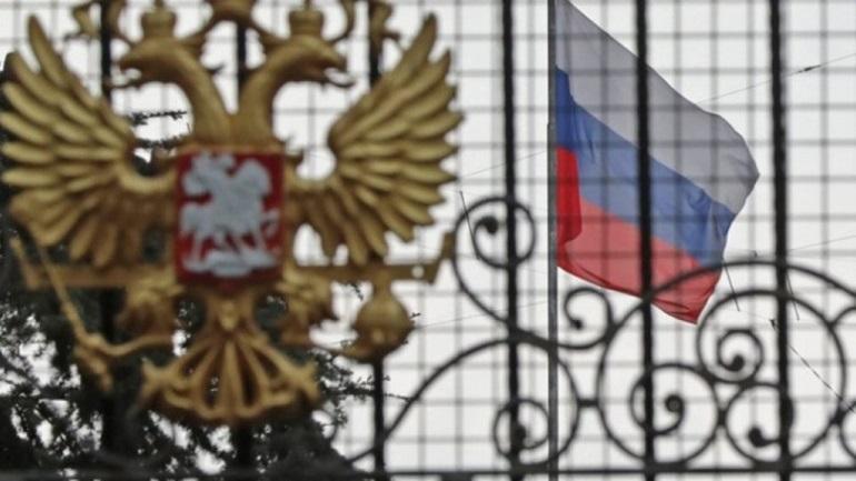 Καυστικό σχόλιο της ρωσικής πρεσβείας για τον Πάιατ:«Μην υποτιμάτε τη νοημοσύνη - Έλεος πια»!
