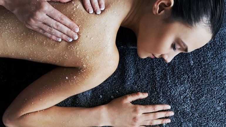 Homemade scrub σώματος κατά της κυτταρίτιδας