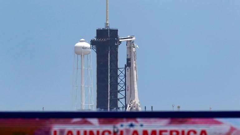 LIVE: Αντίστροφη μέτρηση για την πρώτη επανδρωμένη πτήση της SpaceX