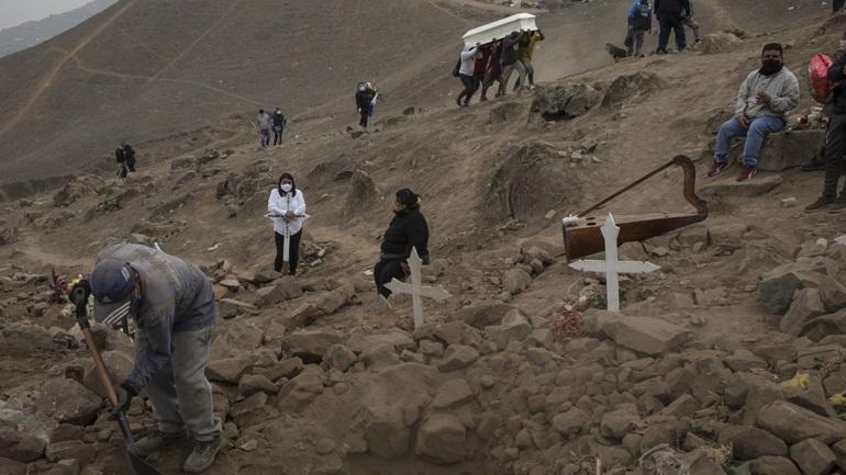 Κορωνοϊός: 141 νέοι θάνατοι και 7.386 νέα κρούσματα στο Περού