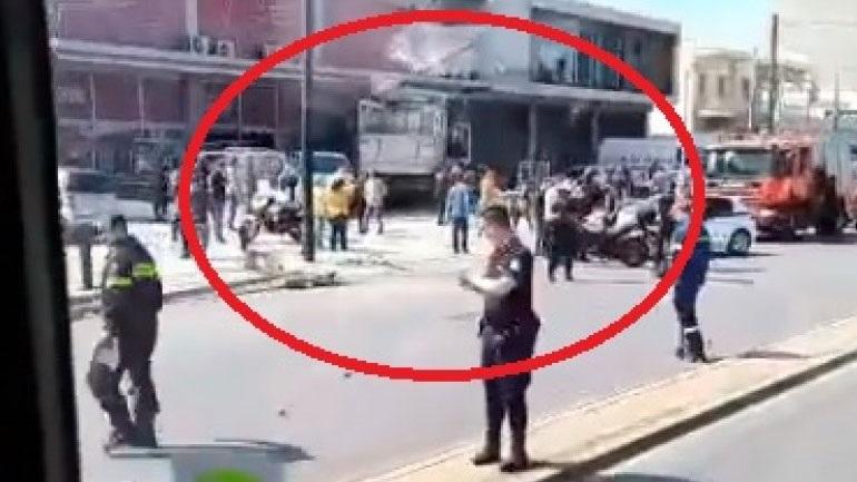 Φορτηγό εισέβαλε σε κατάστημα - Κλειστή η Πειραιώς
