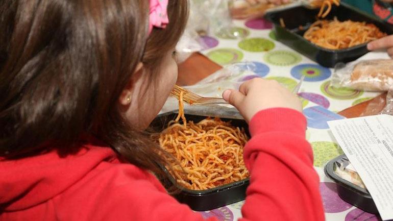 Συνεχίζεται το πρόγραμμα των σχολικών γευμάτων