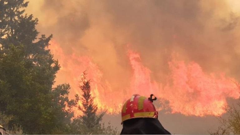 Σε ύφεση η φωτιά στο Αμάρι Κρήτης - 8 στρέμματα δασικής γης έγιναν στάχτη