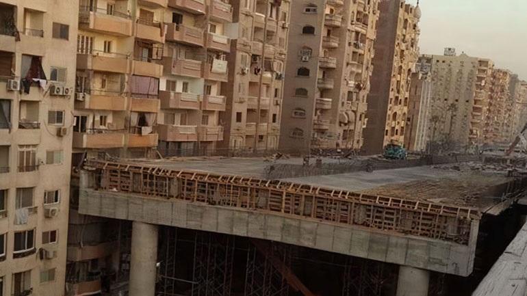 Απίστευτο: Γέφυρα χτίζεται σε απόσταση 50 εκατοστών από πολυκατοικίες