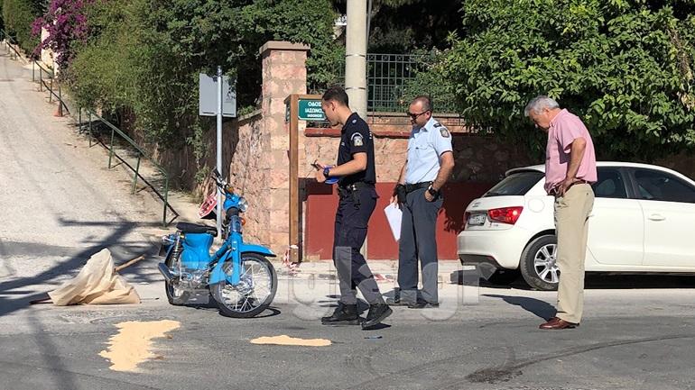 Τροχαίο δυστύχημα με εγκατάλειψη στη Βούλα - Νεκρός μοτοσικλετιστής-εργαζόμενος σε delivery