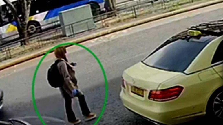 Νέο ντοκουμέντο για τη δράστιδα με το βιτριόλι: Παρίστανε την Ελληνοαμερικανίδα για να κλείσει ταξί