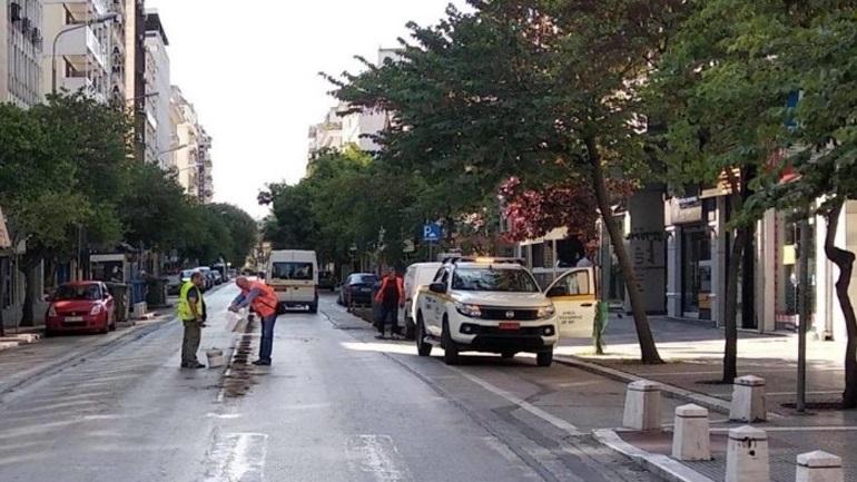 Θεσσαλονίκη: Απομακρύνθηκαν τα διαχωριστικά από την οδό Ερμού