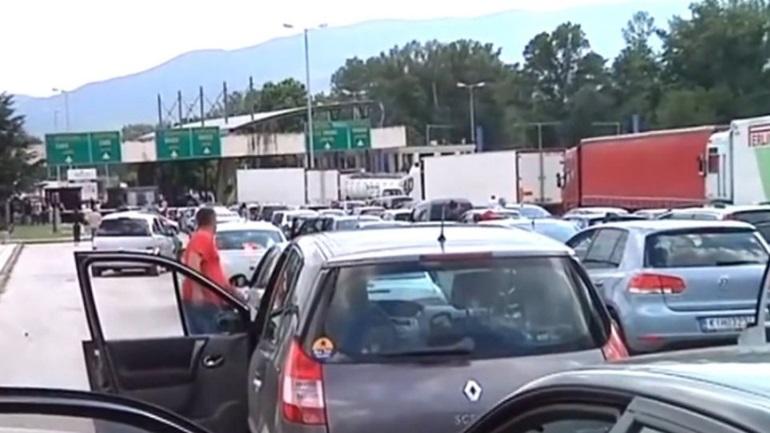 Αυξημένη η κίνηση των αυτοκινήτων στο τελωνείο του Προμαχώνα