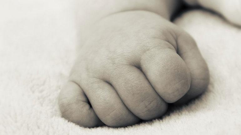 Πάτρα: Γιατροί έσωσαν βρέφος 10 μηνών που κατάπιε καρύδι