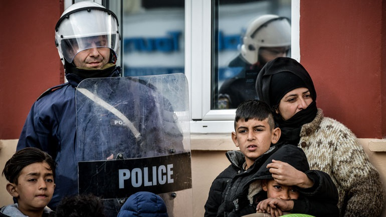 Μυτιλήνη: Η Περιφέρεια βορείου Αιγαίου παρέδωσε 150 φόρμες εργασίας στους αστυνομικούς