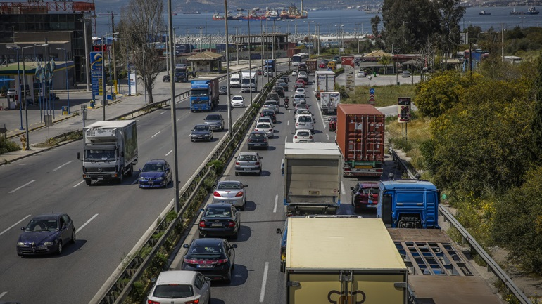 Την κυκλοφορία των φορτηγών απαγορεύει Παρασκευή και Κυριακή η ΕΛΑΣ