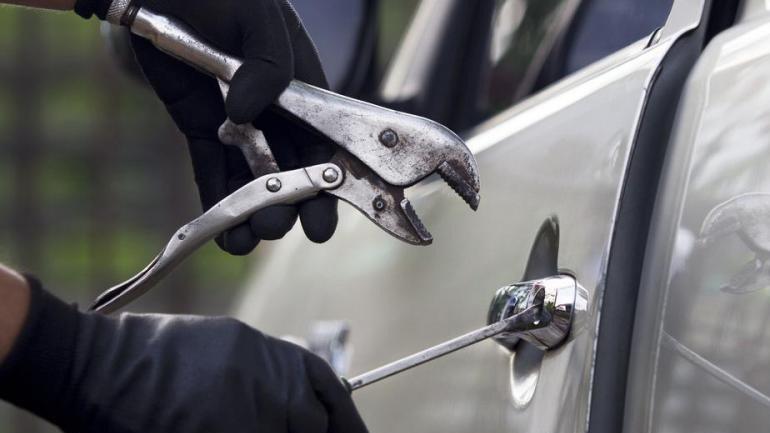 Κεφαλονιά: Συνελήφθη ανήλικος για διάρρηξη αυτοκινήτου στο Αργοστόλι