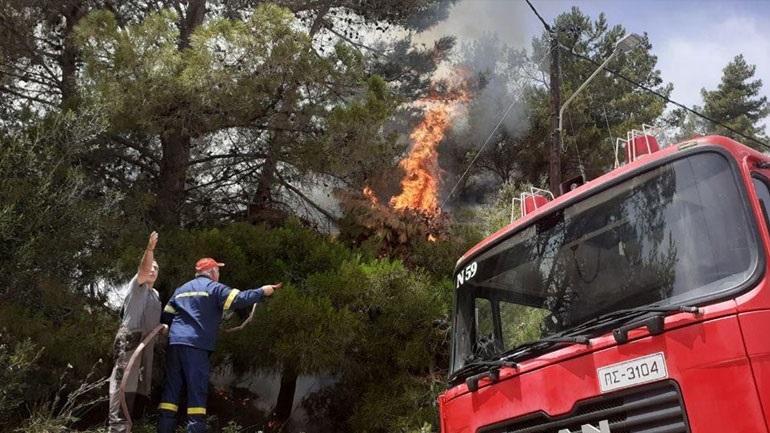 Φωτιά στο Αργάσι Ζακύνθου - Καίει δασική έκταση