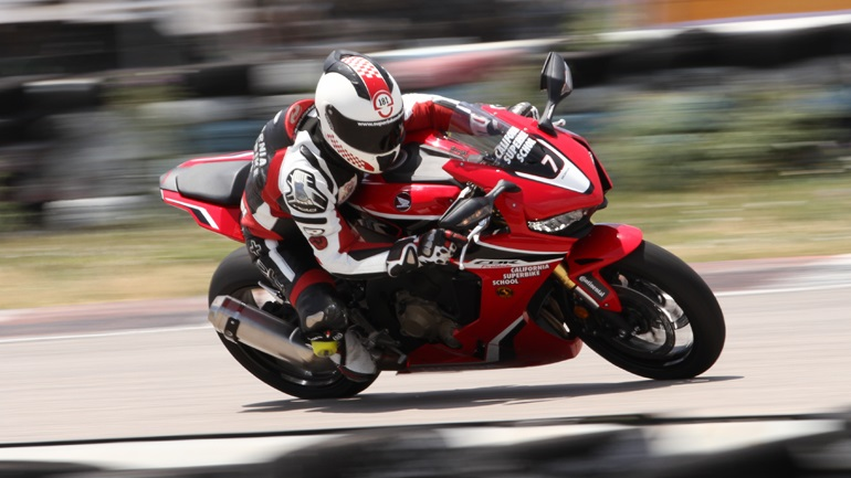 California Superbike School: Ένα Ride Day «πριν φύγετε για διακοπές»