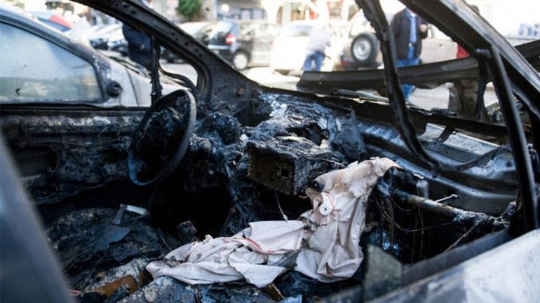 Εμπρησμός σε δύο αυτοκίνητα και μία μηχανή στη Θεσσαλονίκη