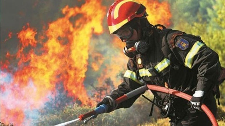 Σε εξέλιξη πυρκαγιά στην Πάτρα