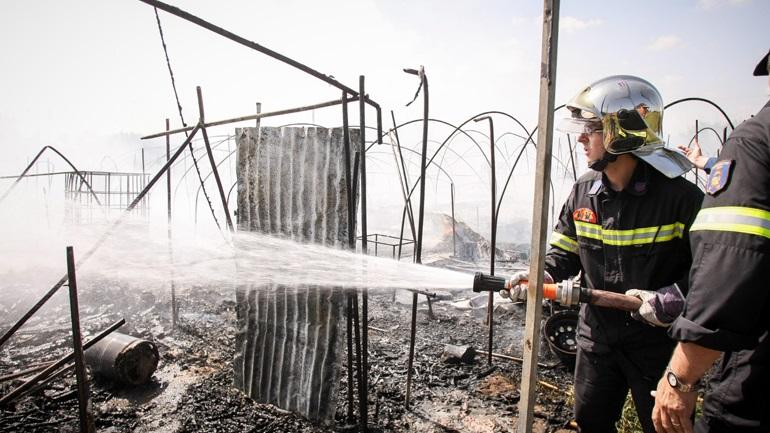 Θήβα: Πυροσβέστες έπεσαν θύματα κλοπής ενώ πήγαιναν να σβήσουν φωτιά