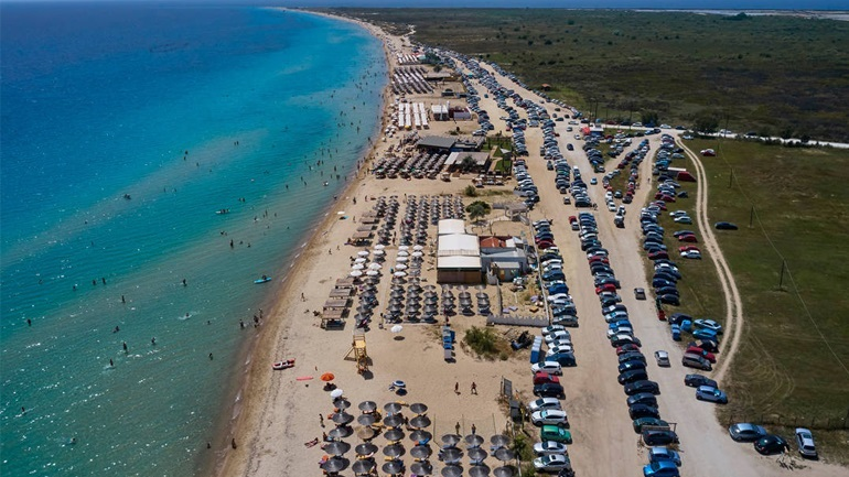 Θεσσαλονίκη: Αυξημένη η κίνηση στους δρόμους προς τις παραλίες