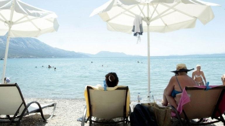 Κρήτη: Καταγγελίες για αισχροκέρδεια και αντιεπαγγελματισμό σε παραλία των Χανίων