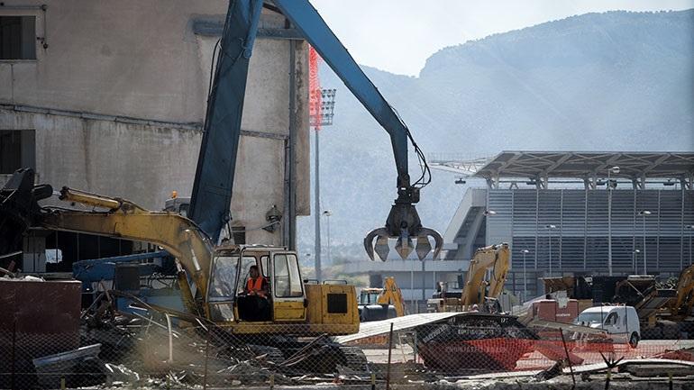 Επικίνδυνα εγκαταλελειμμένα κτήρια κατεδαφίζει ο Δήμος Αθηναίων